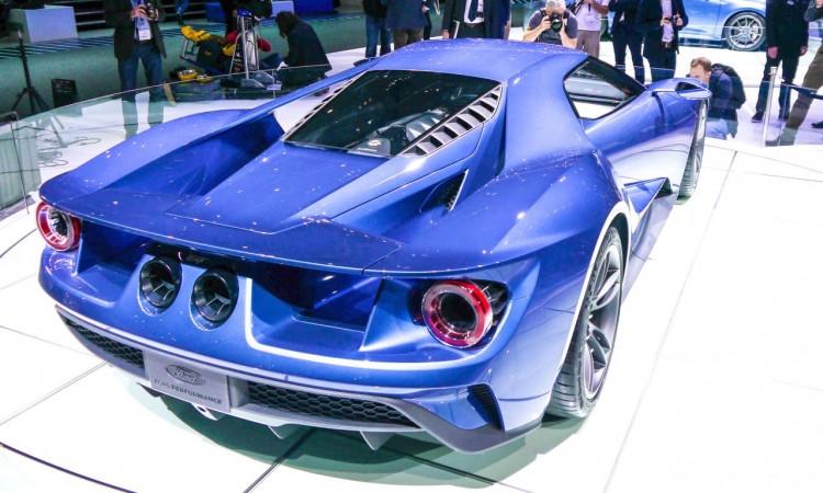 Der Ford GT auf dem Genfer Automobilsalon 2015