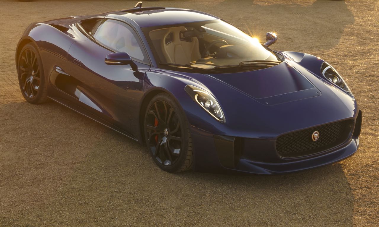 Jaguar C-X75 im James Bond Film Spectre Drift in Rom
