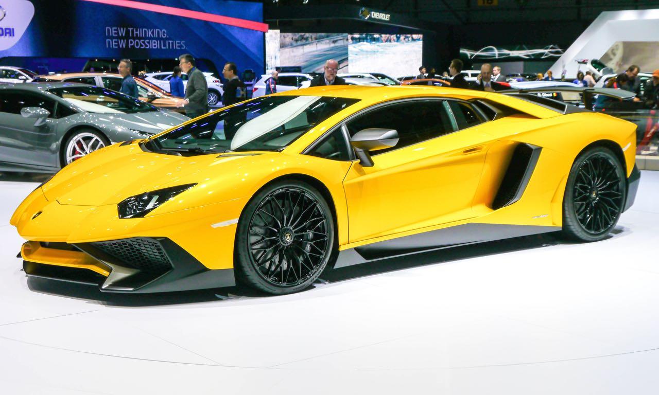 Lamborghini Aventador Lp 750 4 Superveloce Mit 750 Ps Und