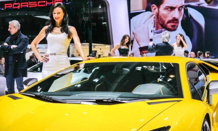 Lamborghini Aventador Superveloce 25 750x450 - Lamborghini Aventador LP 750-4 Superveloce mit 750 PS und V12-Power