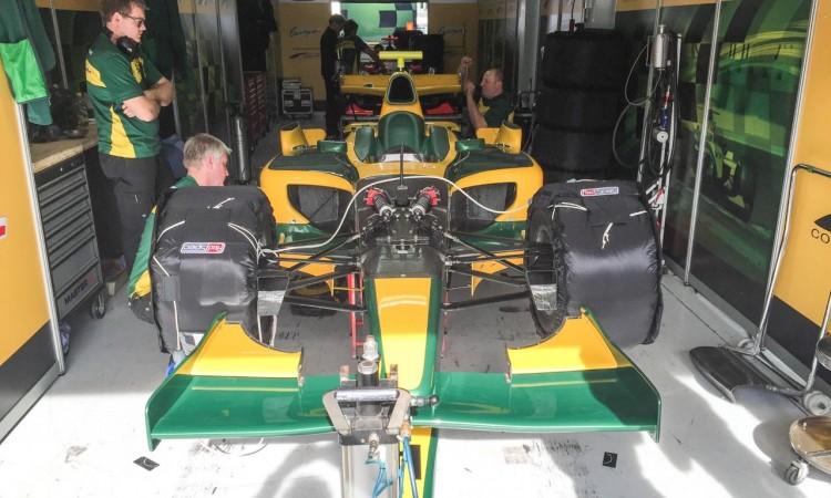 Hockenheim Bosch Historic: Auch in die Formel 1 Rennställe darf man unmittelbar dabei sein.