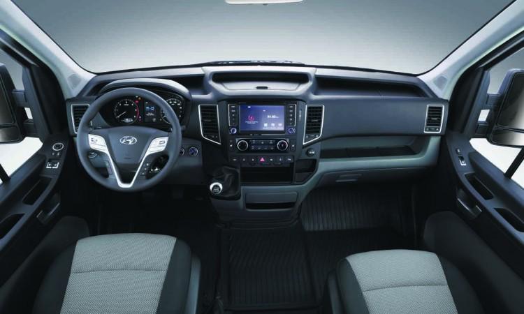 Hyundai H350 Interieur 750x450 - Hyundai H350: Produktionsstart für den 3,5-Tonner Kastenwagen
