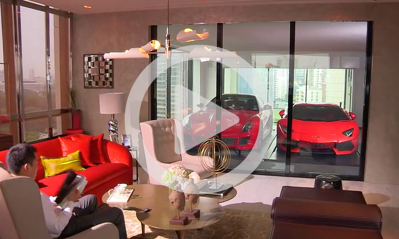 Lamborghini Aventador im Wohnzimmer parken