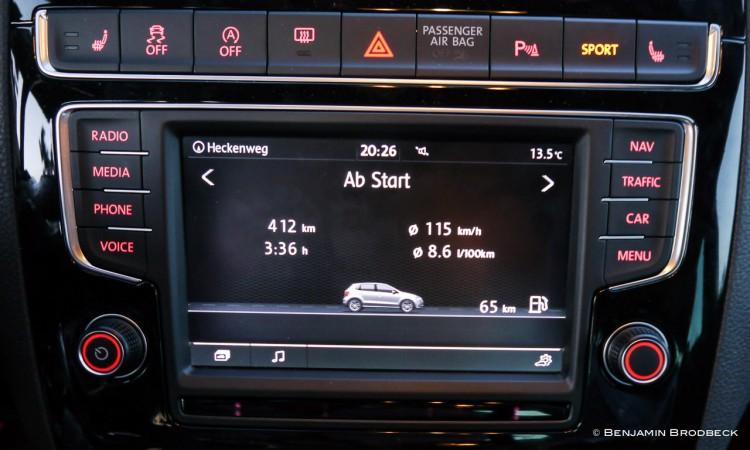 P1150621 750x450 - Fahrbericht VW Polo GTI: Nachtfahrt durch die bunten Straßen von Colmar.