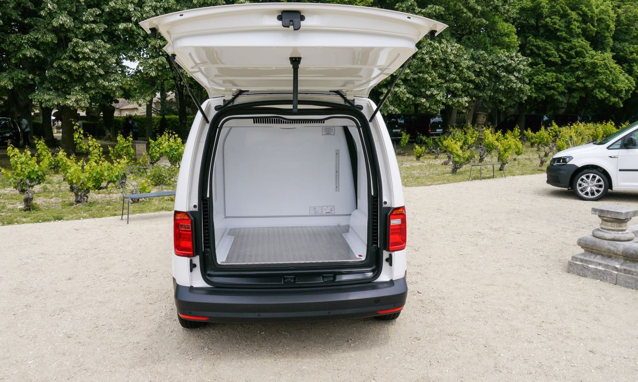 fahrbericht vw caddy praktischer alltags allrounder mit stil das auto magazin. Black Bedroom Furniture Sets. Home Design Ideas
