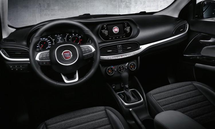 Auf der Istanbul International Auto Show zeigte Fiat seinen neuesten Familienzuwachs der vom Centro Stile designt wurde und den Fiat Linea beerbt. Ab November 2015 soll die Stufenheck Limousine mit dem Namen Fiat Aegea auf vierzig  750x450 - Das ist der neue Fiat Aegea: Kompaktlimousine auf italienisch.