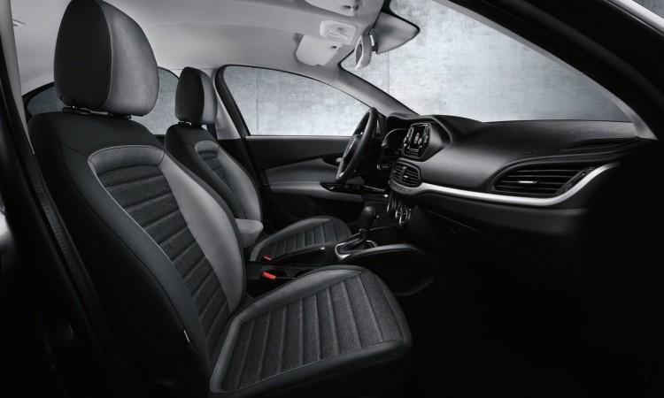 Auf der Istanbul International Auto Show zeigte Fiat seinen neuesten Familienzuwachs der vom Centro Stile designt wurde und den Fiat Linea beerbt. Ab November 2015 soll die Stufenheck Limousine mit dem Namen Fiat Aegea auf vierzig 1 750x450 - Das ist der neue Fiat Aegea: Kompaktlimousine auf italienisch.