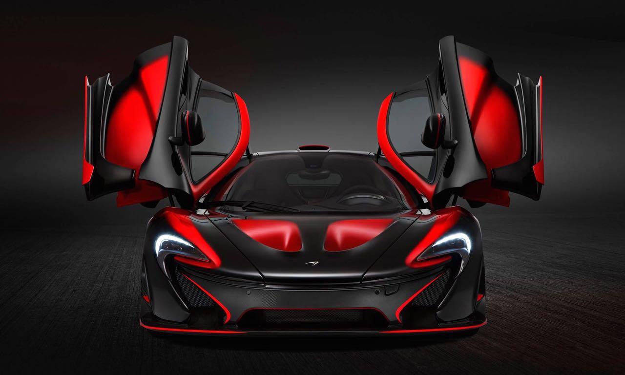 Wir berichteten in letzter Zeit über viele außergewöhnliche McLaren P1: da war zum Beispiel der Kiwi-McLaren für Neuseeland oder das neue blaue Spielzeug für Formel 1 Rennfahrer Lewis Hamilton. Noch gibt es keine straßenzugelassenen McLaren P1 GTR, aber McLaren Special Operations hat jetzt dafür auf Basis der Fahrgestellnummer 84 ein neues Kunstwerk auf die Beine gestellt, das mindestens genau so beeindruckend aussieht!