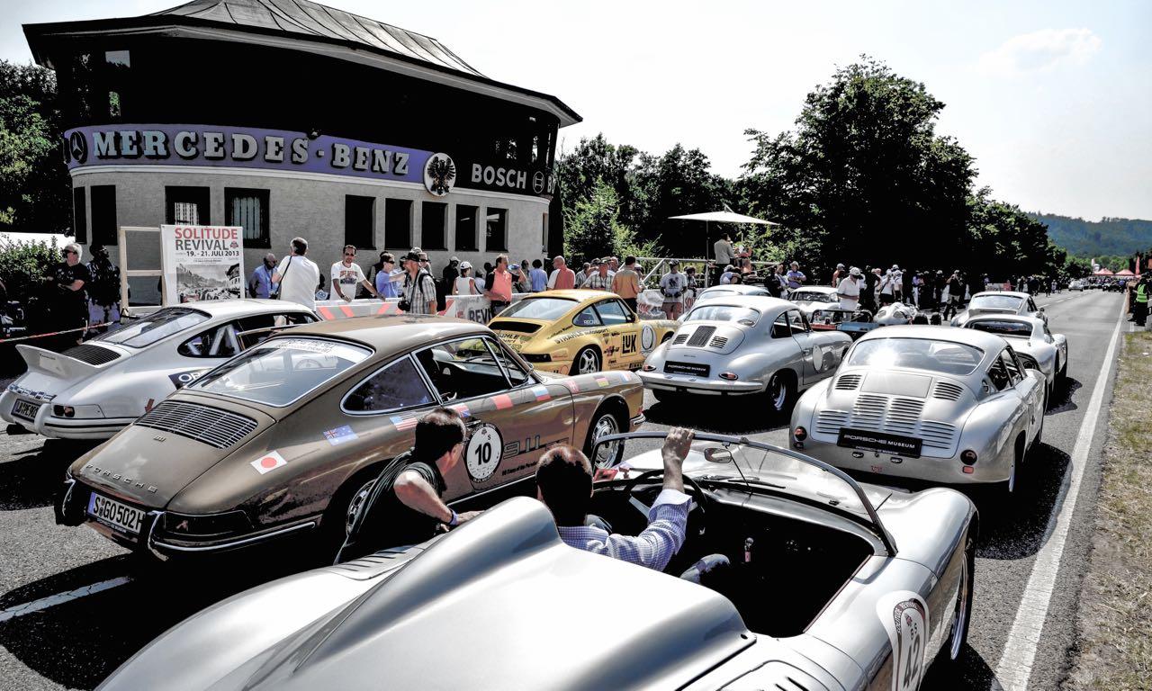 Solitude Revival 2015 - Mercedes-Benz und Porsche führen diesmal seltene Klassiker aus.