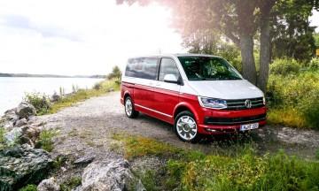 Volkswagen VW Bus T6 Multivan Caravelle Generation Six Stockholm Fahrpräsentation AUTOmativ