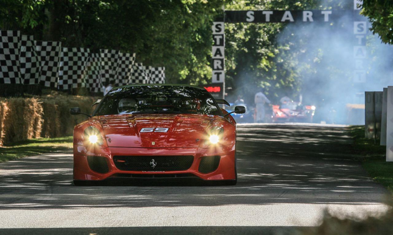 Ferrari hat uns ein paar bewegte Bilder vom Goodwood Festival of Speed 2015 zukommen lassen, dessen Inhalte wir natürlich sehr gerne weitergeben.