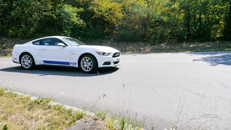 Der neue Ford Mustang GT im Fahrtest 11 750x422 - Ford Mustang GT: Power-Schaukel mit schwachem Sound.