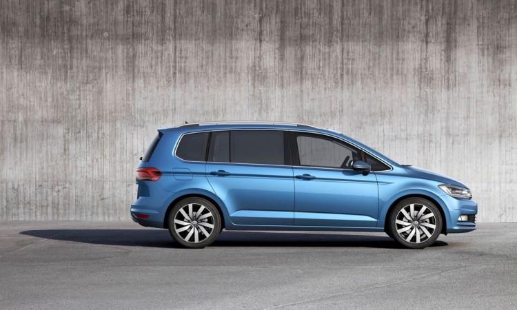 VW Touran 2.0 TDI: Bei 30.975 Euro geht es für den Top-Diesel los.