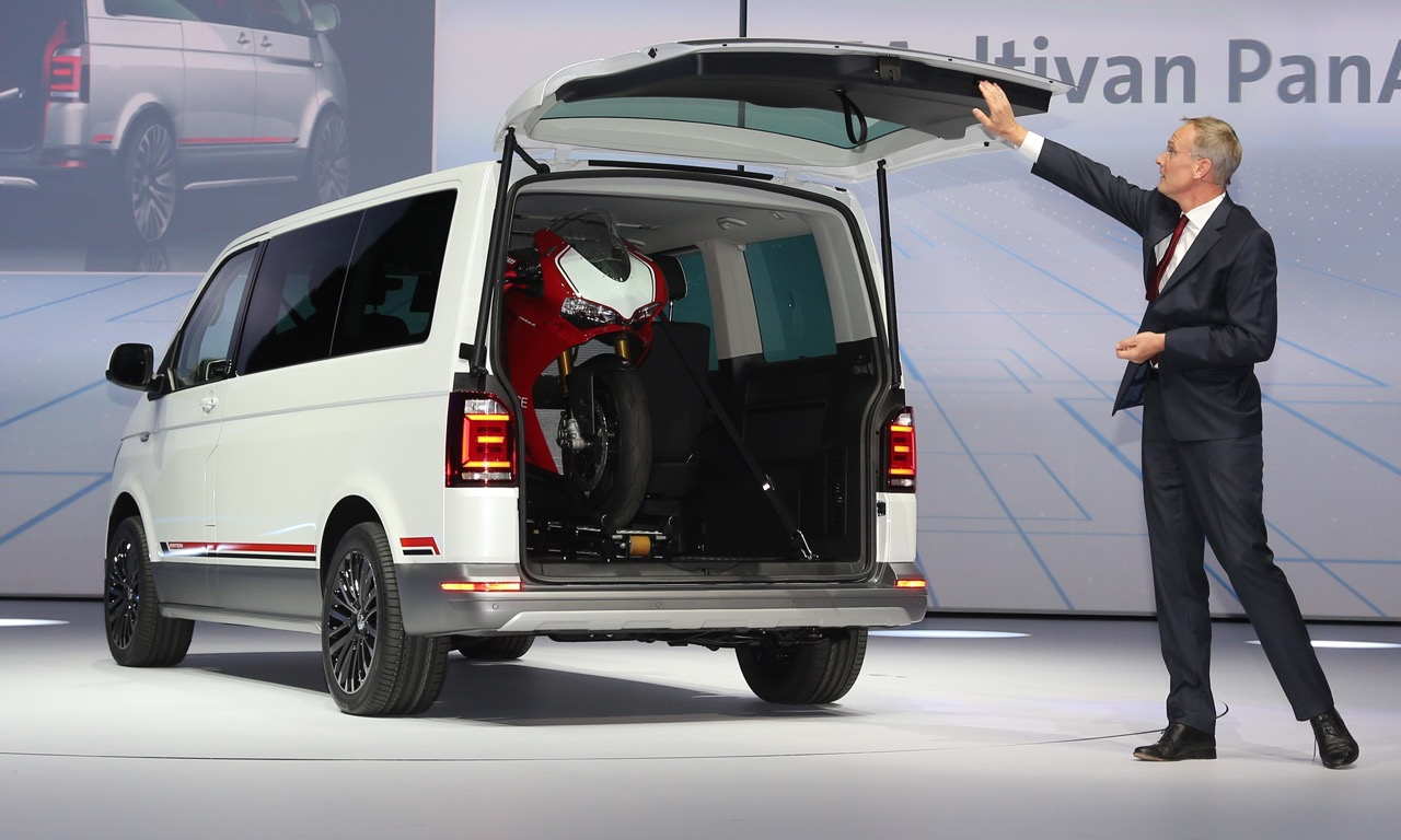 vw t6 multivan panamericana studie auf der iaa 2015. Black Bedroom Furniture Sets. Home Design Ideas