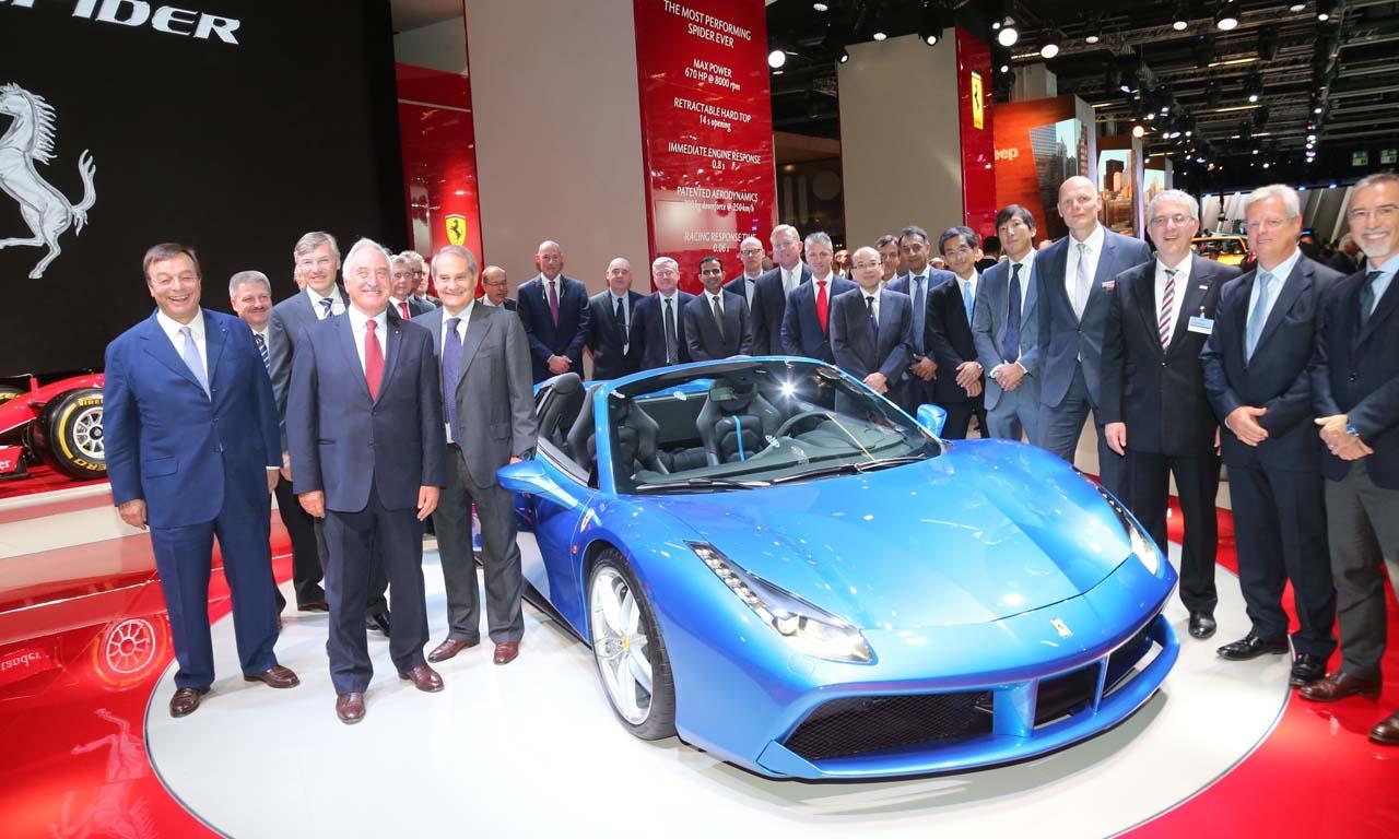 Weltpremiere des Ferrari 488 Spider auf der IAA 2015