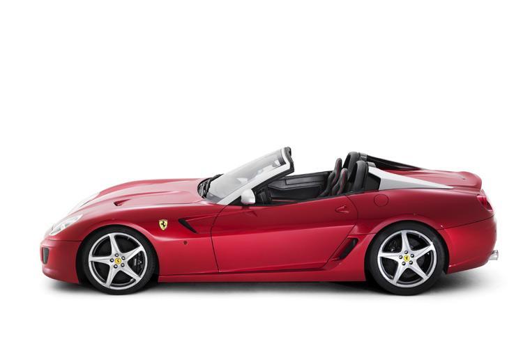 17iv3aix65cwejpg - Ferrari 599 SA Aperta: Luxus-Cabrio-Tontaubenschießen