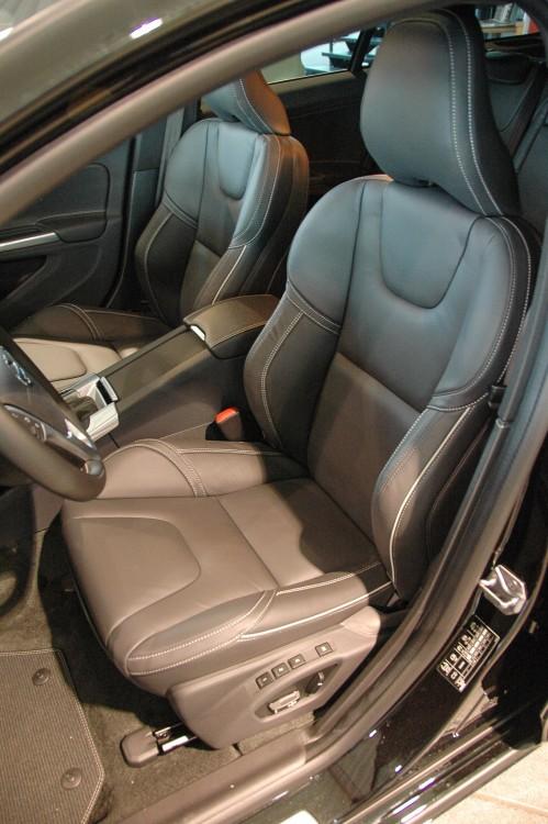 Die Sitze im Volvo V60 Cross Country geben guten Seitenhalt