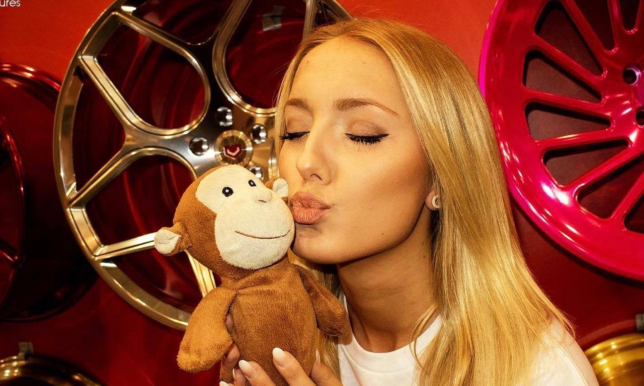 Essen Motor Show 2015 Heiße Girls Starke Sportwagen und Tuning Autos