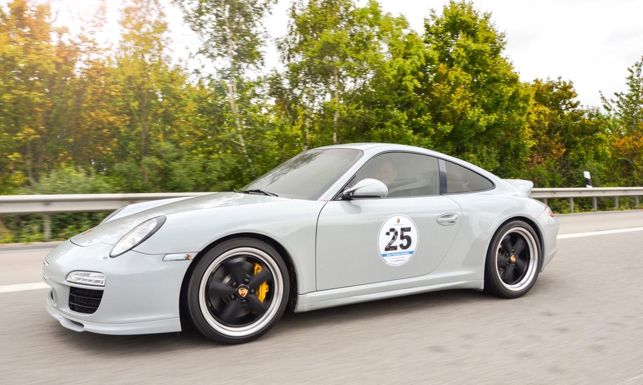 Porsche Sport Classic Sondermodell von Porsche Exclusive - Porsche Exclusive: Von goldenen Endrohren und belederten Knöpfen