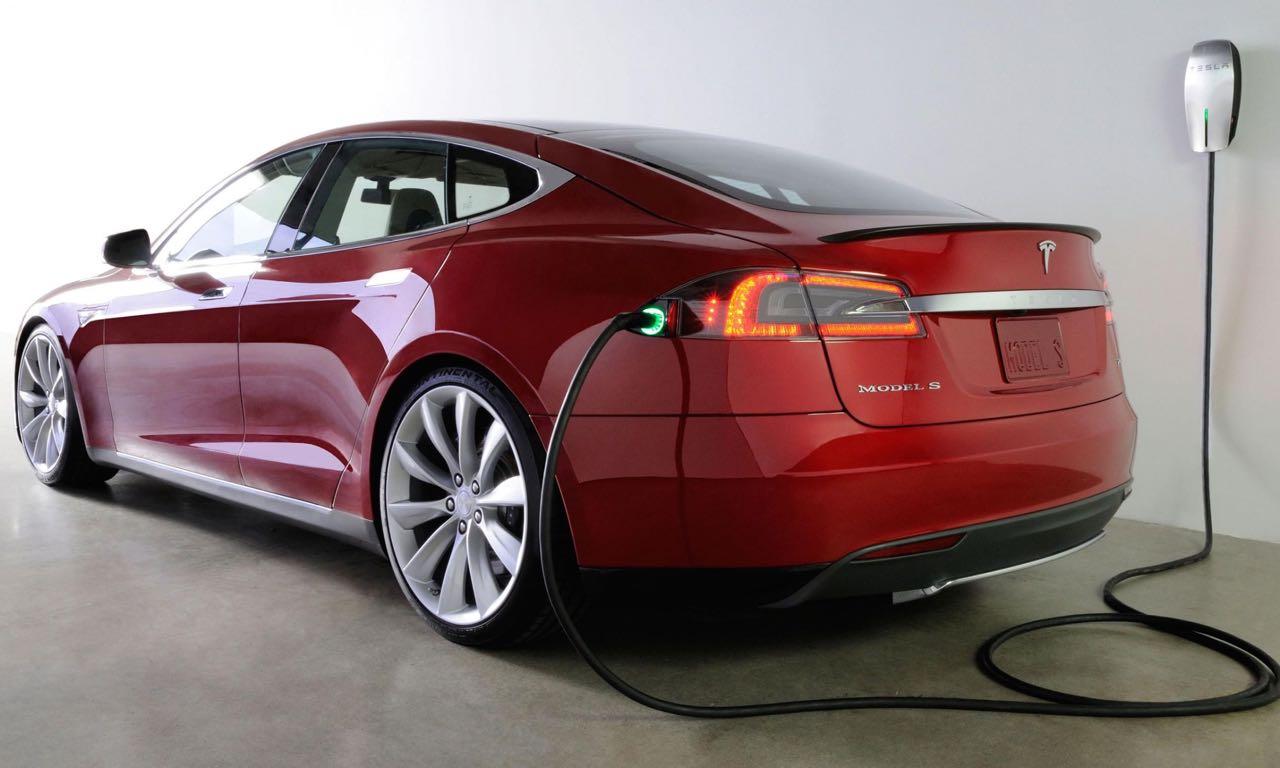 Tesla Model S P85D 08