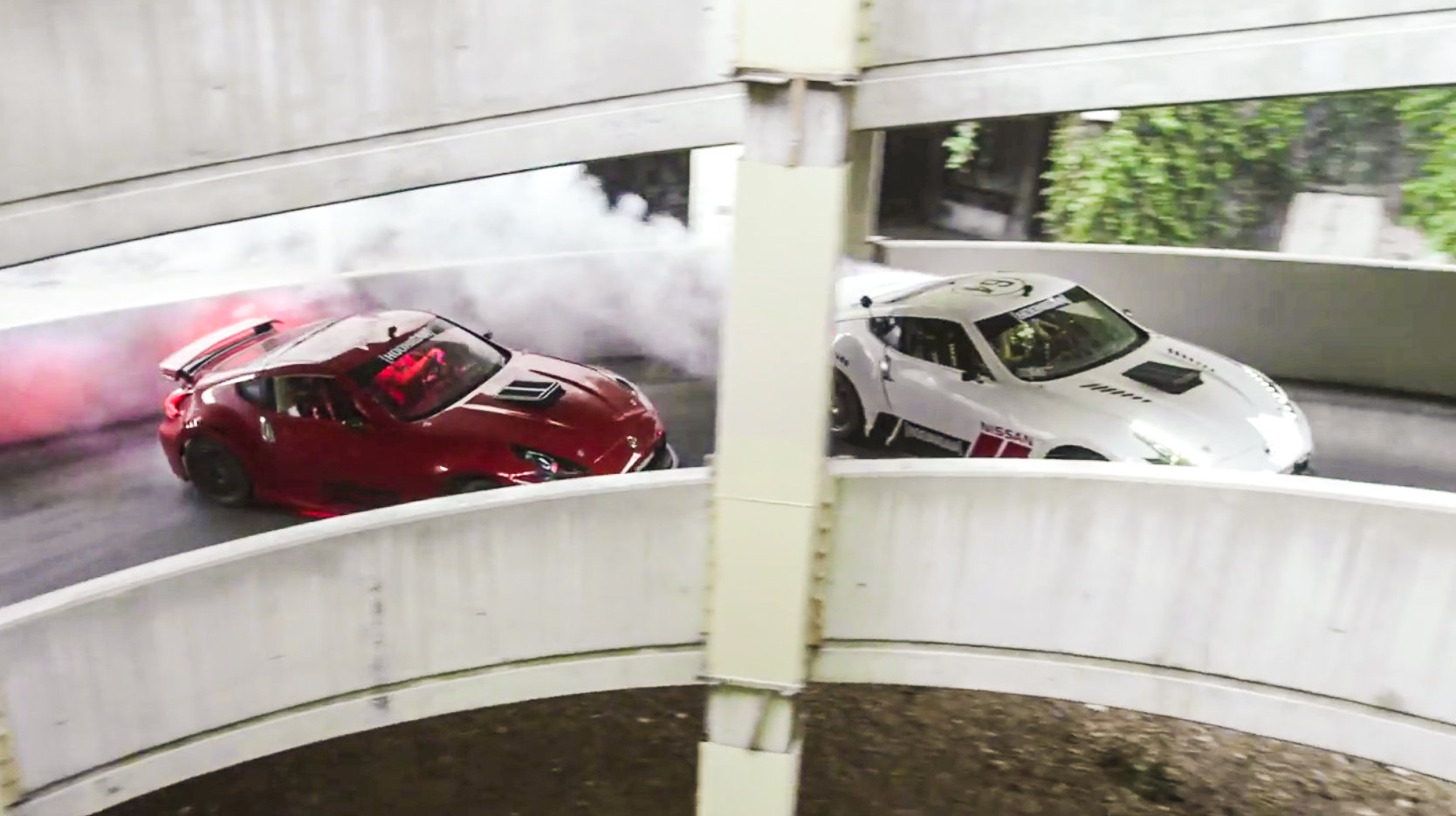 Zwei Profi-Drifter gehen mit 1.000 PS starken Nissan 370Z ans Limit
