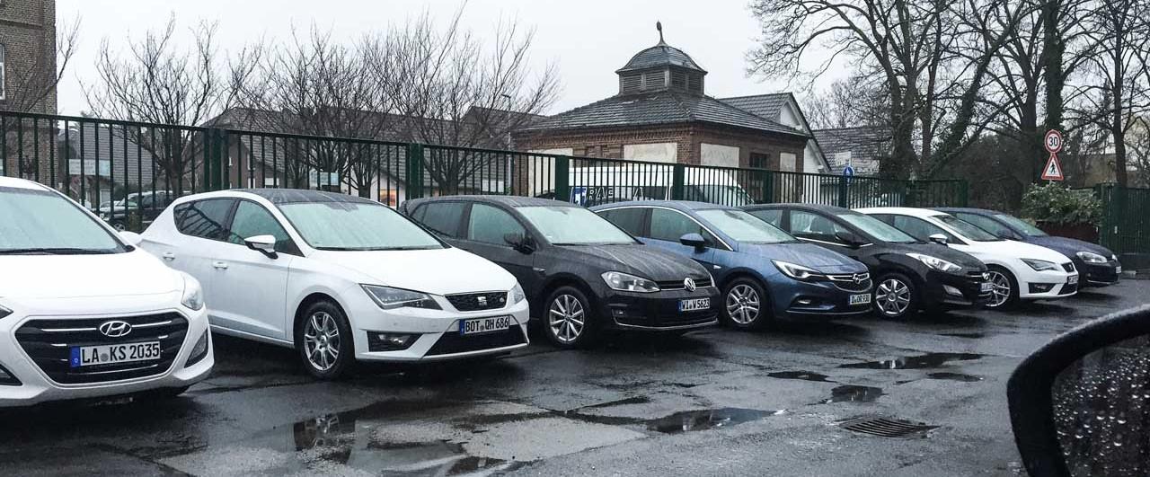 Alle Mitbewerber des Renault Mégane (v.l.n.r.): Hyundai i30, Seat Leon Cupra, Volkswagen Golf, Opel Astra, Hyundai i30, Seat Leon, VW Golf