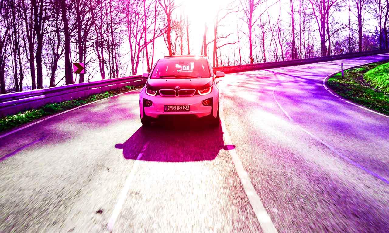 BMW i3, BMW, BMW i, BMW Elektroauto, Elektroauto, Elektromobilitaet, Elektrosportwagen, Porsche Carrera, Porsche, AUTOmativ.de, Benjamin Brodbeck, Test, Photographie, Leica, Nikon