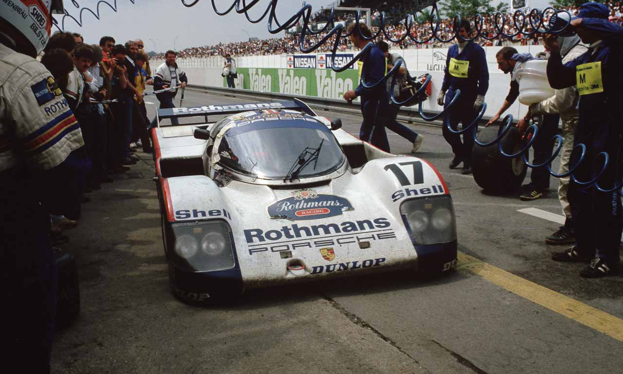 """Porsche mit """"Museums Rennfahrzeugen 956 Gruppe C"""" bei den 24 Stunden von Le Mans 1983"""