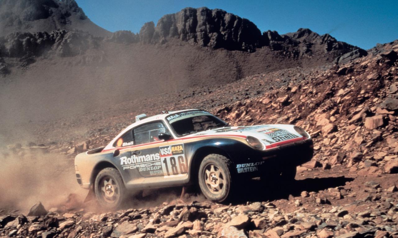 Porsche 959 bzw. Porsche Carrera 4x4 bei der Rallye Paris-Dakar