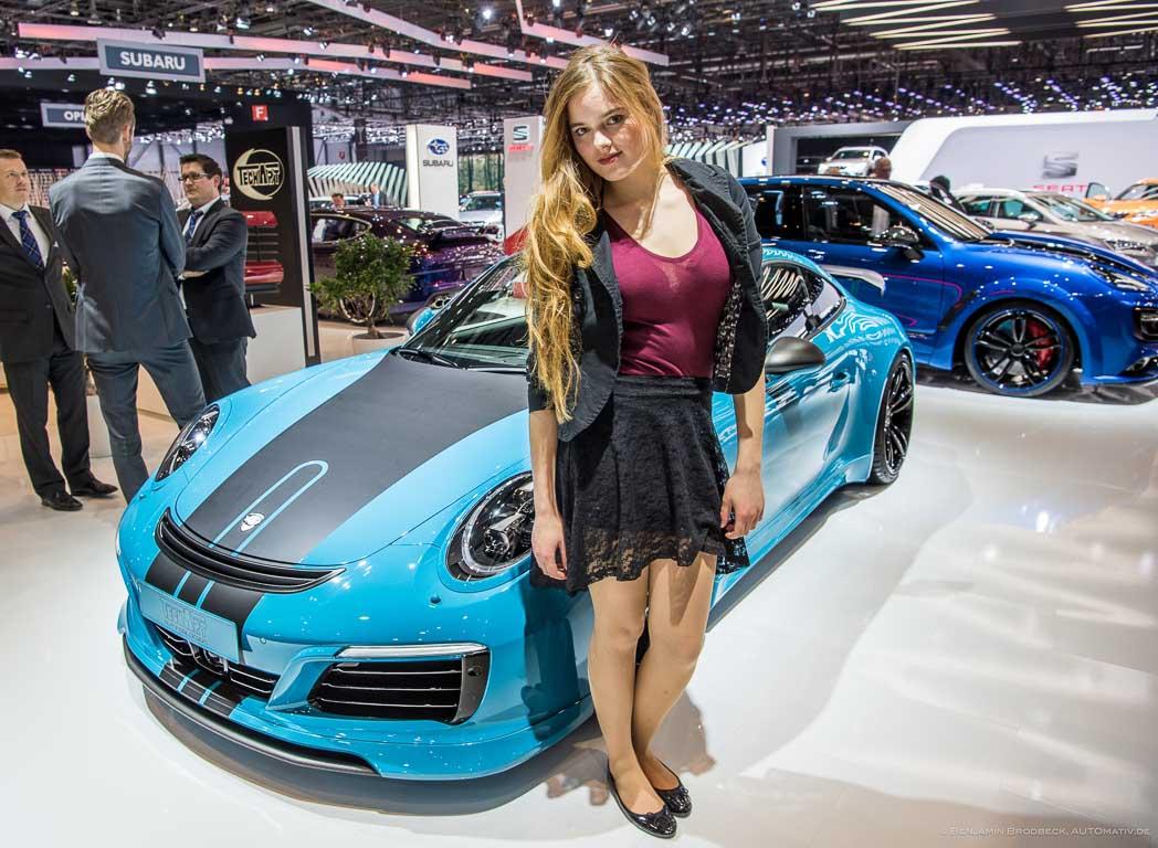 Das Model aus Hamburg hat ihr Lieblingsauto gefunden: das TechArt Coupé mit vier Endrohren (siehe Galerie)