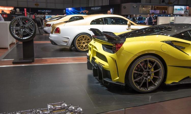 Mansory Rolls Royce Wraith Palm Edition 999 Gold Weiss Luxus Benjamin Brodbeck AUTOmativ.de Autosalon Genf 2016 Luxusauto Bentley Kopie 750x450 - Mansory ist weiterhin im automobilen Porno-Bizz: Rolls-Royce Wraith in Gold-Weiss (UPDATE)