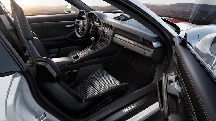 Das Interieur des Porsche 911 R