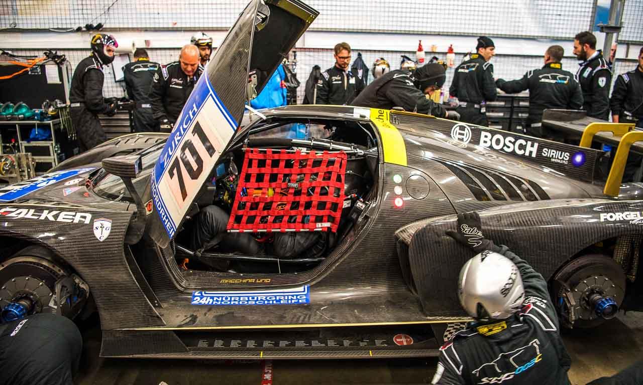Viel Pech für Scuderia Cameron Glickenhaus: das erste Auto (P4/5) verloren die US-amerikaner schon im Qualifying; den SCG003 mit der Startnummer 701 schoss ein Audi R8 ein paar Stunden vor Rennende ab