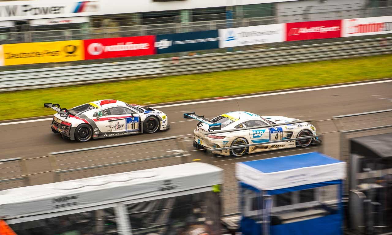 Nicht nur an Audi ziehen die Mercedes-AMG GT GT3 spielend vorbei: auch BMW und Porsche werden stehen gelassen - egal ob bei Regen oder Sonne