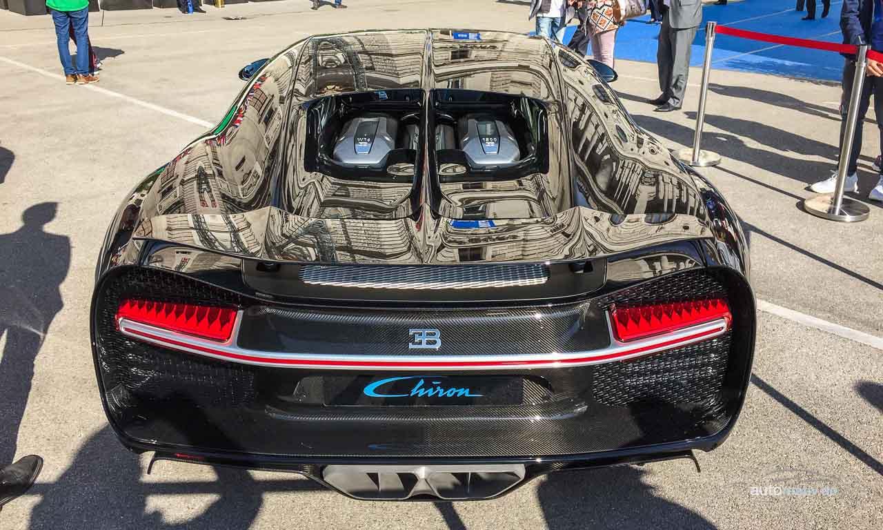 Das Heck des Bugatti Chiron ist deutlich breiter und stämmiger als das des Veyron - absolut gelungen!