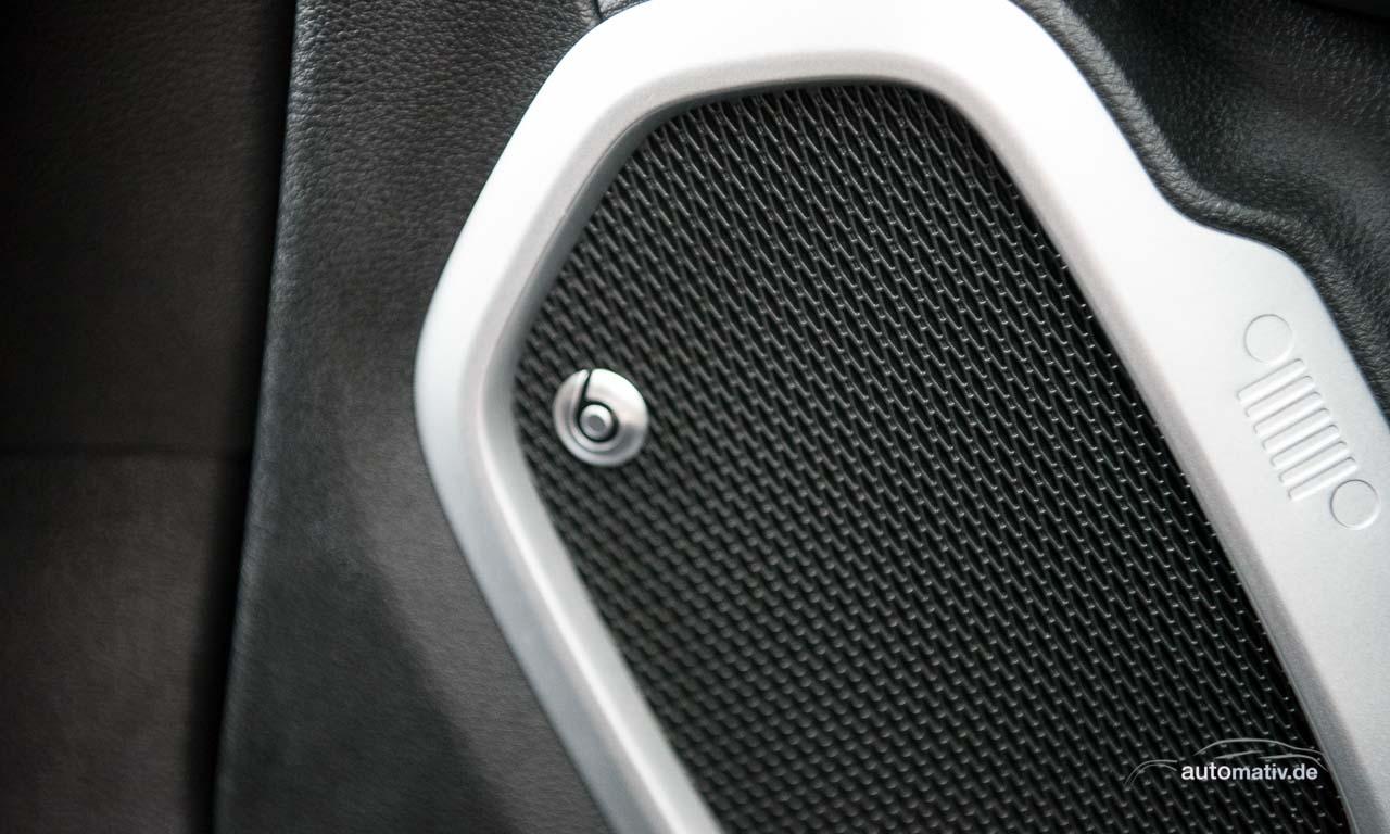 Beats Audio ist für den Renegade auch erhältlich. Klingt ordentlich, wenn auch nicht vergleichbar mit Bose