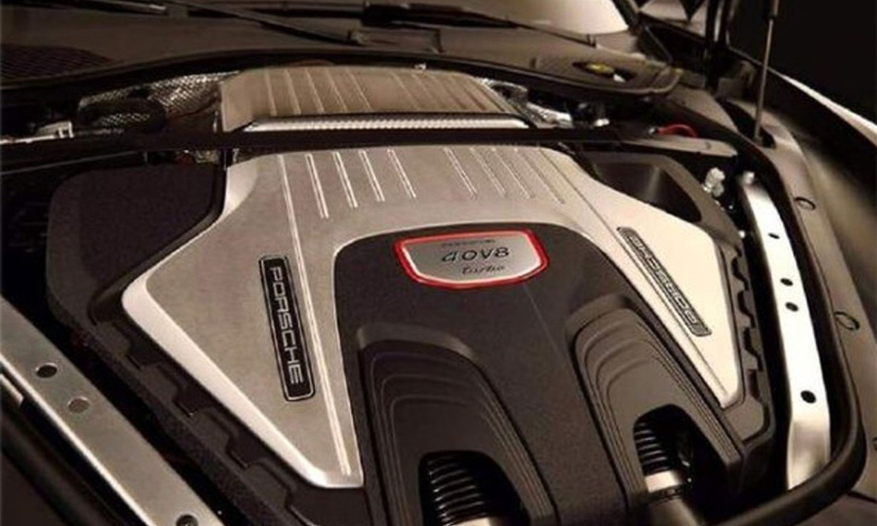 Der neue 4,0 Liter V8-BiTurbo von Porsche ist von der Philosophie an Mercedes-AMG angelehnt und hat auch ähnliche Leistungswerte. Auch hier sollen irgendwann einmal über 700 PS möglich sein.