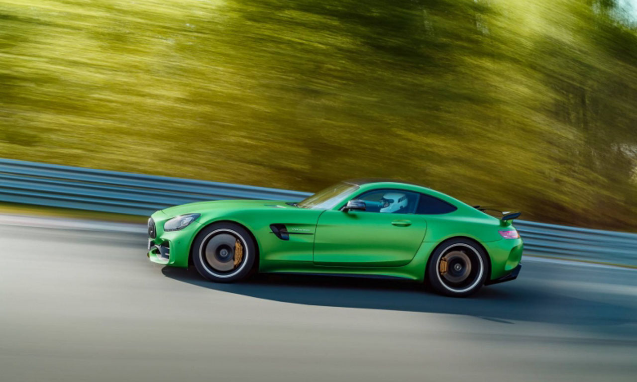 der neue mercedes amg gt r ist lewis hamilton 39 s biest aus. Black Bedroom Furniture Sets. Home Design Ideas