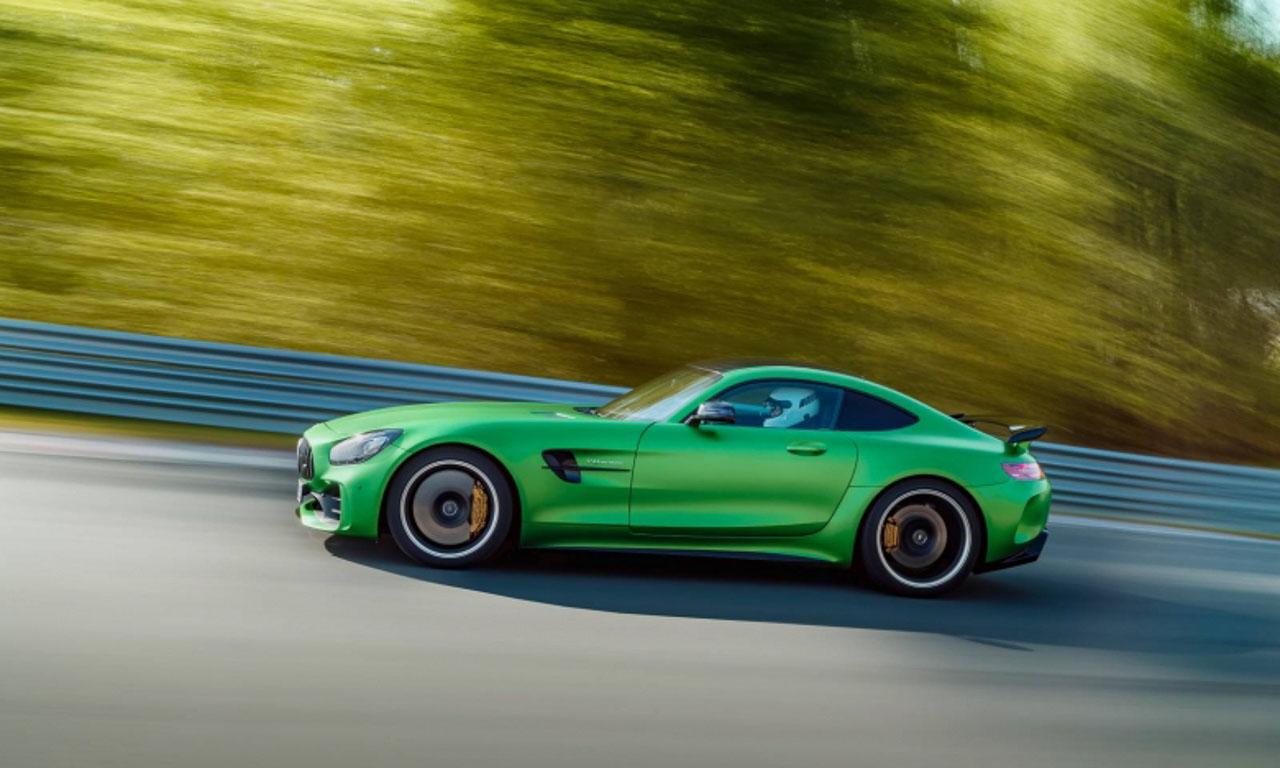 Mercedes-AMG GT R mit 585 PS und 700 Nm Premiere mit Lewis Hamilton in England Beast of Green Hell AUTOmativ.de Benjamin Brodbeck Yannick Schroeder