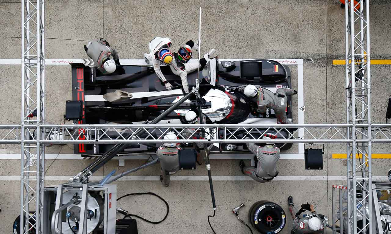 Porsche 919 Hybrid, Porsche Team: Timo Bernhard, Brendon Hartley, Mark Webber