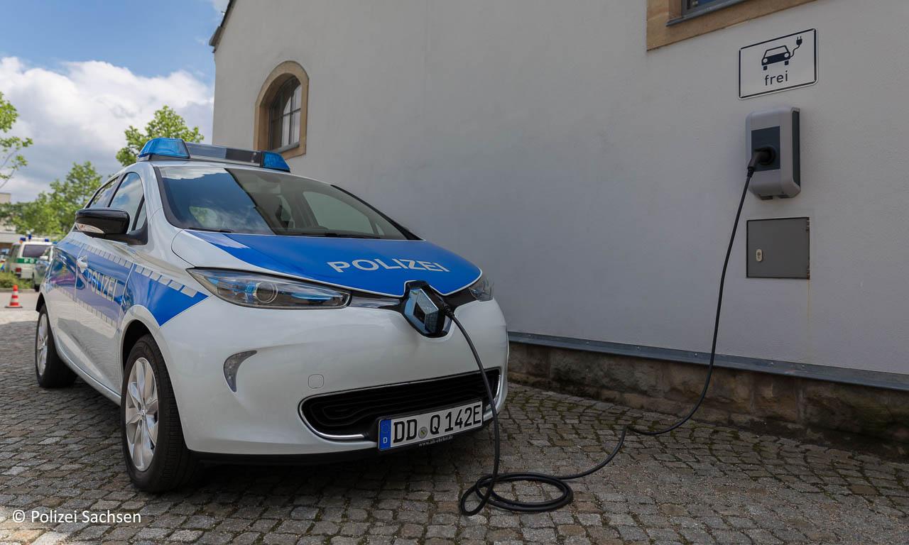 Renault Zoe fuer die Polizei Sachsen AUTOmativ.de Benjamin Brodbeck 3 - Für noch härtere Verfolgungsjagden: Polizei Sachsen bekommt 15 Renault Zoe