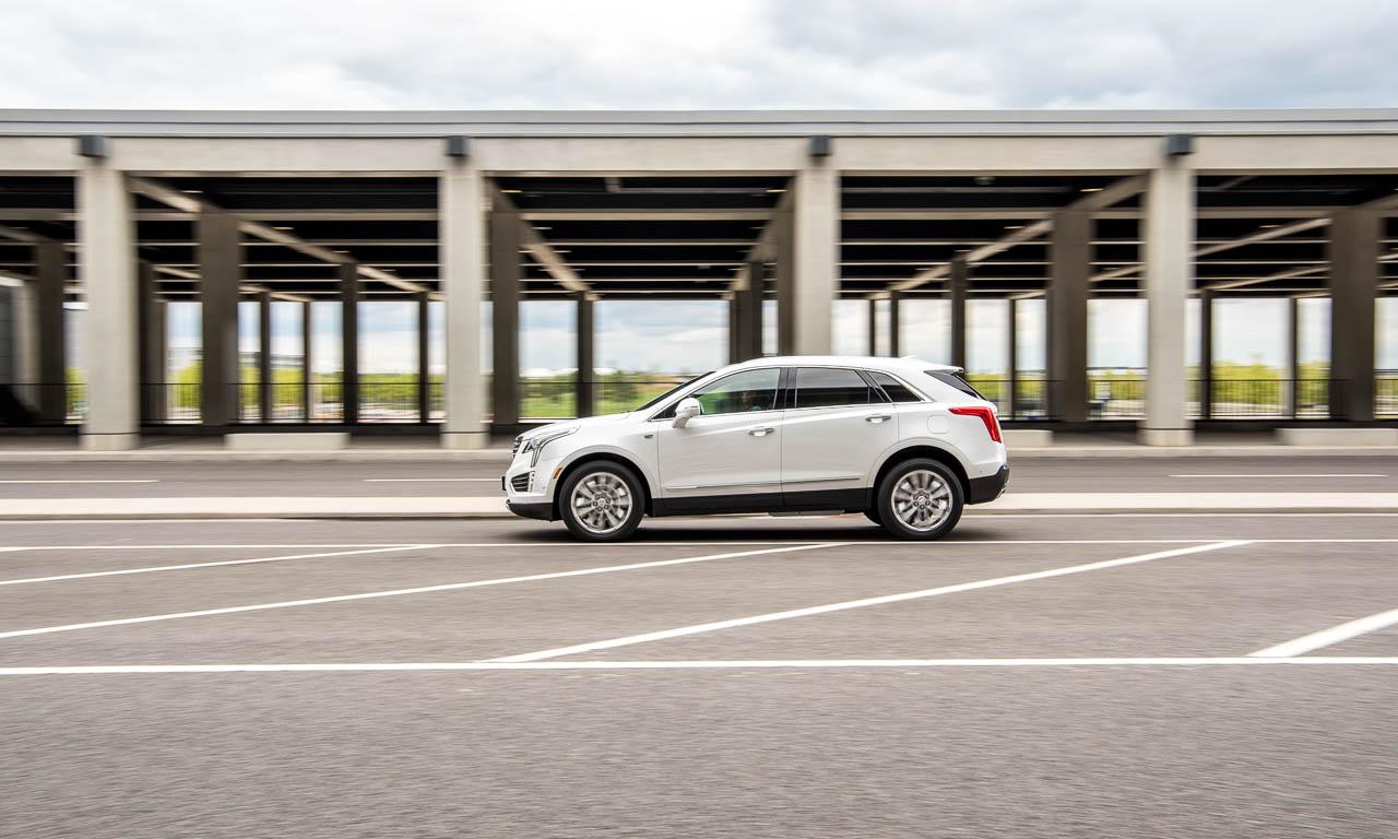 Cadillac XT5 SUV im Test von AUTOmativ.de und Benjamin Brodbeck in und um Berlin und am BER Flughafen sowie auf der Insel Eiswerder