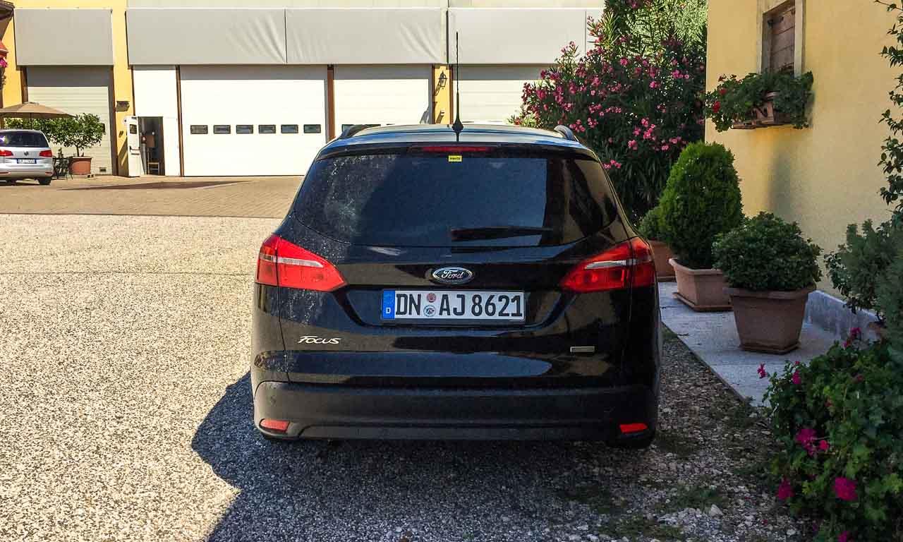 Ford-Focus-Kombi-von-Autovermietung-Hertz-instabilstes-Automobil-ueberhaupt-AUTOmativ-im-Test-Fahrbericht-Benjamin-Brodbeck