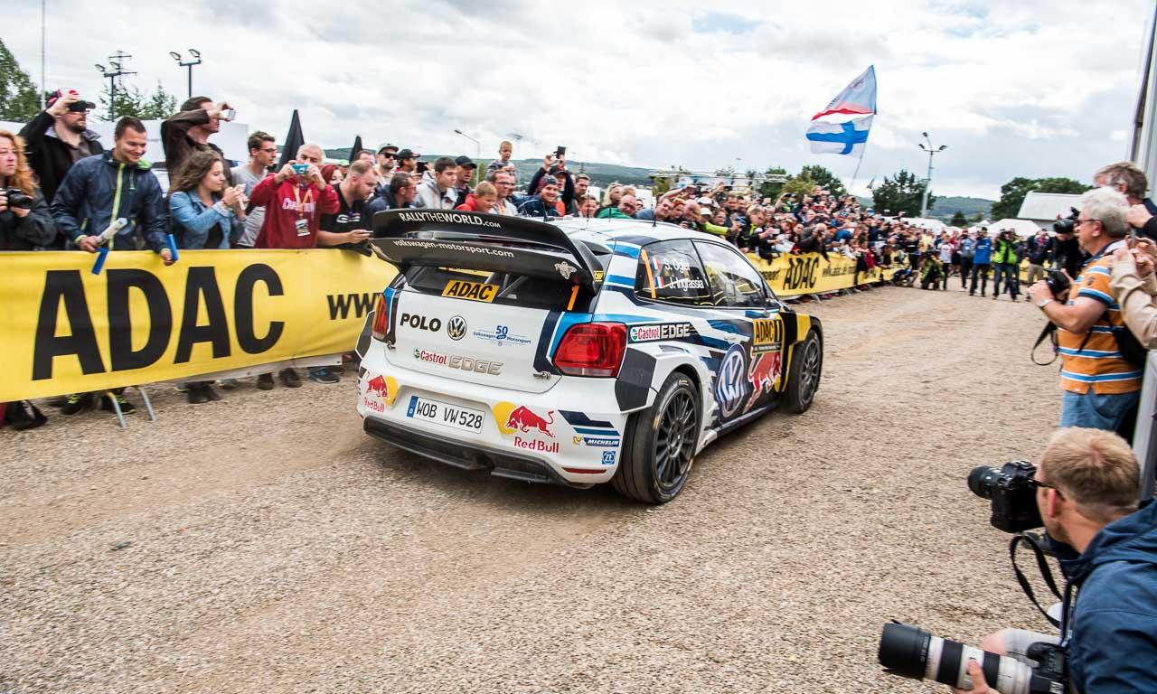 Shootingstar Ogier in seinem Polo R WRC mit 315 PS.