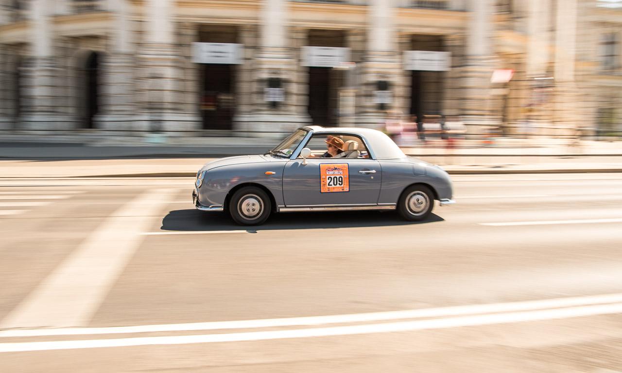Vienna-Classic-Days-2016-Wien-Oldtimer-Raritaeten-Oldies-Porsche-356-Corvette-C1-Beetle-Kaefer-Volkswagen-VW-Wiener-Rauthaus-Parlament-Oldtimer-Rallye-AUTOmativ-Benjamin-Brodbeck