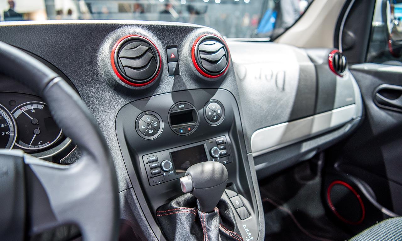 Mercedes-Benz-Citan-auf-der-IAA2016-Mercedes-Benz-Vans-and-Trucks-Automatik-im-Dieselauto