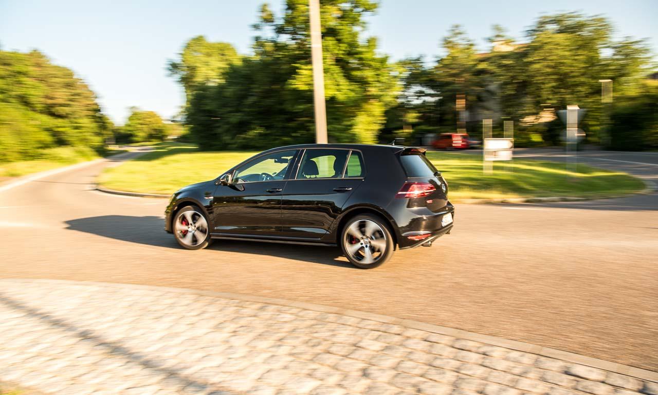 Mit dem VW Golf GTI Performance 2.000 Kilometer durch Oesterreichs Steiermark - Volkswagen Golf 7 GTI im Test und Fahrbericht bei AUTOmativ.de mit Benjamin Brodbeck