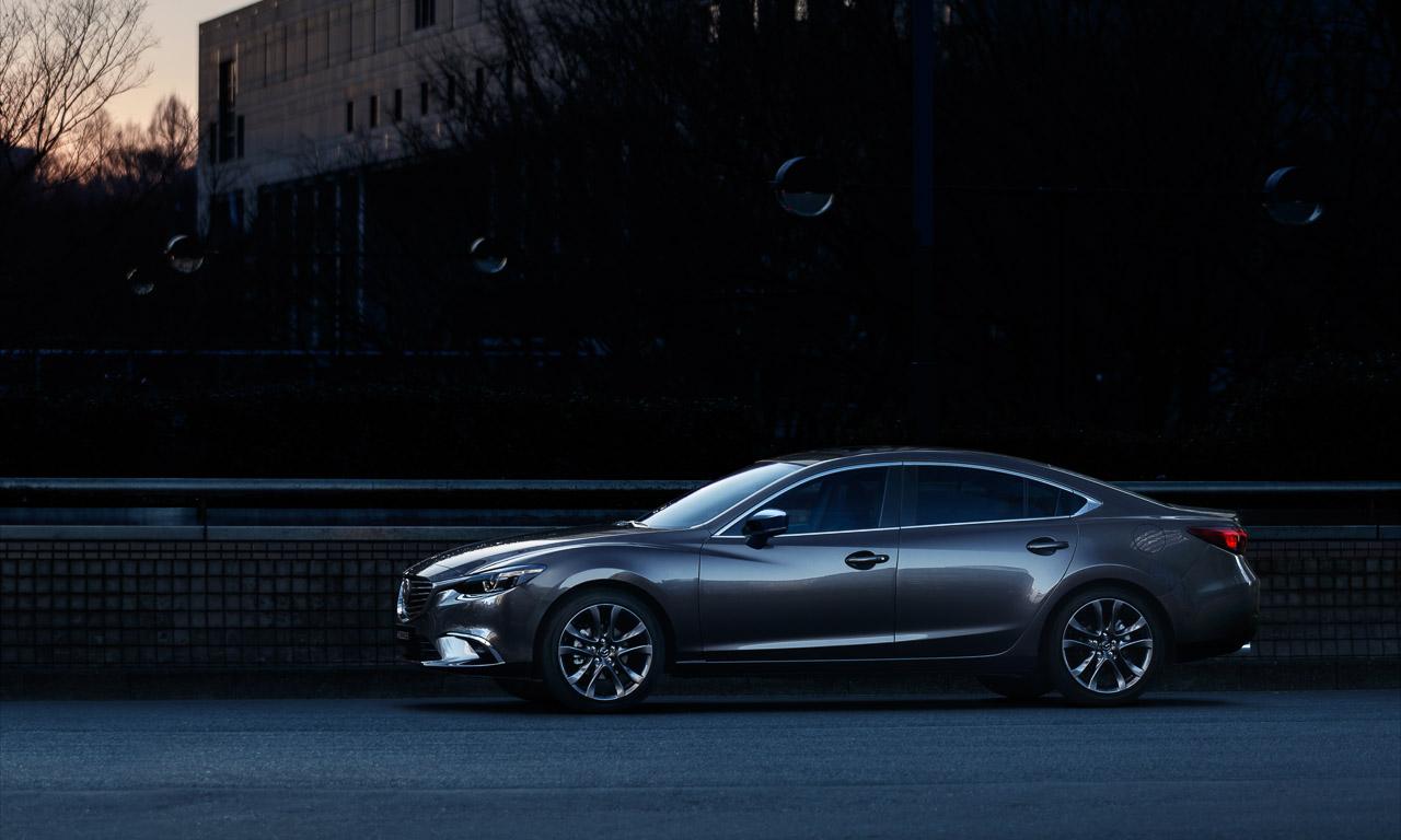 Neuer-2017-Mazda6-Sedan-Limousine-Kombi-in-Barcelona-vorgestellt