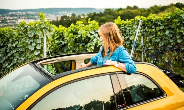 Die letzten Sonnenstrahlen des Jahres im Fiat 500 Cabriolet