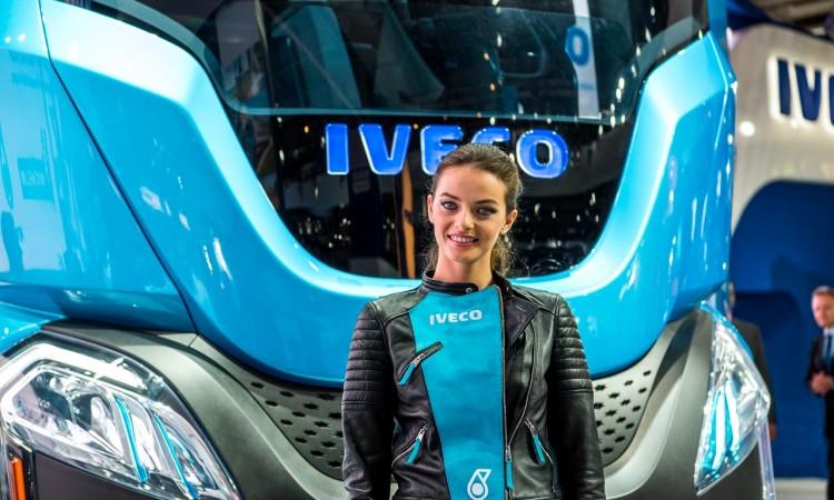 Auch Trucks können sexy sein: Iveco Z Truck fährt autonom und mit Biogas